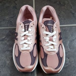 New Balance | Rose Gold 498